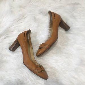 Chloe heels size 40 Brown Leather gold buckle Pump